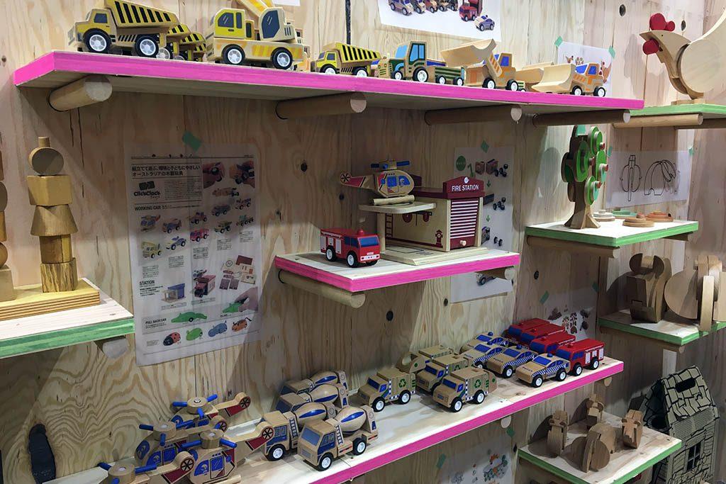木製玩具も色々あります